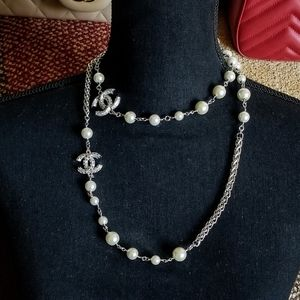 Authentic  chanel silver chain and pearl necklace